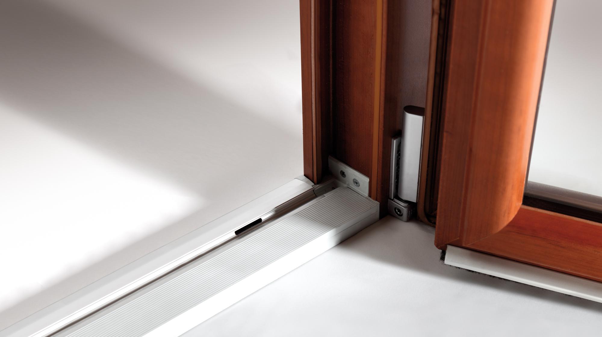 Infissi in pvc oknoplast accessori d 39 eccellenza for Infissi finestre